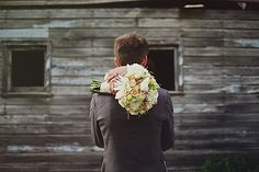 beautiful neutral bouquet