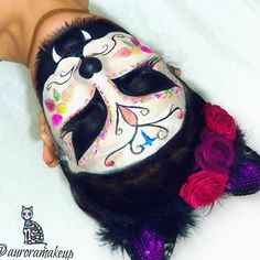 Cats are best, the cutest! Skeleton Face Paint, Sugar Skull Face Paint, Cat Skeleton, Sugar Skull Cat, Sugar Skull Makeup, Batman Halloween, Halloween Make Up, Halloween Ideas, Homemade Halloween Costumes