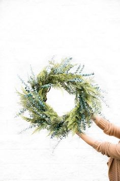 Mixed Greens Evergreen Wreath // www.deliacreates.com