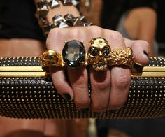 McQueen skull ring clutch