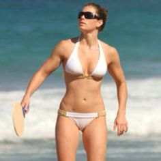 Why does Jessica Biel look like a man? It's great she's fit and all bit really?! She looks like a dude! Just saying.
