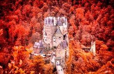 Burg Eltz bei Wiershem Allemagne château castle