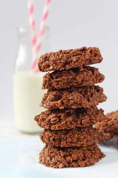 With just a few simple ingredients including peanut butter, oats and cocoa powder, you can whip up these No Bake Chocolate Cookies in just a few minutes. Super simple but so tasty! They're also gluten and dairy free too. Chocolate Oat Cookies, Cocoa Cookies, Chocolate Oats, No Bake Cookies, Cake Cookies, Healthy Summer Snacks, Healthy Snacks For Kids, Easy Snacks, Kid Snacks