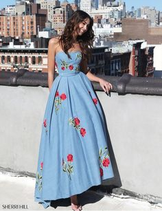 Shop prom dresses and long gowns for prom at Simply Dresses. Floor-length evening dresses, prom gowns, short prom dresses, and long formal dresses for prom. Sherri Hill Prom Dresses, Cute Prom Dresses, Long Prom Gowns, Grad Dresses, Pretty Dresses, Strapless Dress Formal, Beautiful Dresses, Formal Dresses, Floral Prom Dress Long