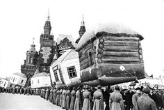 Inflatable huts on parade in Red Square, 1924.  [::SemAp FB || SemAp G+::]