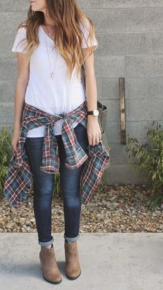 Shirt outfit, plain white t shirt, white shirts, cute flannel outfits, flan Cute Flannel Outfits, White Shirt Outfits, Casual Outfits, Cute Outfits, Flannel Shirt, Plain White T Shirt, Look 2018, Outfit Trends, Outfit Ideas