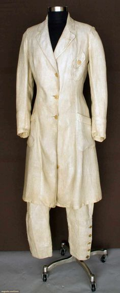"""Augusta Auctions, April 2013 - NYC, Lot """"Ladys Summer Sporting Suit"""", C. 1919 Natural linen jodphurs & long jacket w/ a-symmetrically shaped pockets, B W Jacket L Inseam (shooting or golfing? Antique Clothing, Historical Clothing, Edwardian Era Fashion, Riding Habit, Vintage Outfits, Vintage Fashion, Vintage Sportswear, Vogue, Costume Collection"""