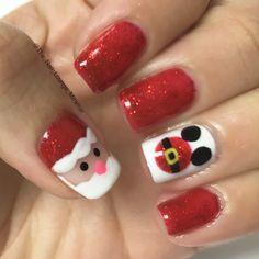Disney Santa Mickey nail art design