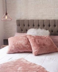 Best Amazing Rose Gold Decor Ideas to Bring Luxury to Your Home - Awesome Indoor & Outdoor Gold Bedroom, Living Room Bedroom, Bedroom Decor, Velvet Bedroom, White Bedroom, Bedroom Ideas, Master Bedroom, Rose Gold Rooms, Rose Gold Decor