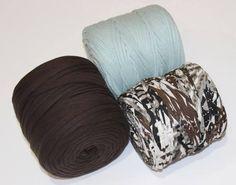 Otra de los novedades es este conjunto de tres bobinas en colores marrón y azul. http://www.hazlo-manualidades.com/index.php?option=com_virtuemart&view=productdetails&virtuemart_product_id=16977&virtuemart_category_id=1554