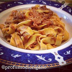 #OggiLucianaMosconi con @profumodiorigano che ci ha preparato delle #tagliatelle con #ragù di cacciagione. #BuonAppetito! // #pasta #food #primipiatti #lucianamosconi
