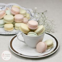 Lovely pastel color macarons Meringue Suisse, Coffee Time, Pastel Colors, Macarons, Cake, Panna Cotta, Ethnic Recipes, Food, Sugar Flowers