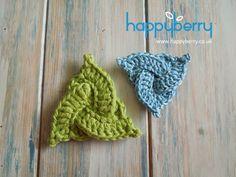 Happy Berry Crochet: How To Crochet a Celtic Triangle -  Yarn Scrap Fri...