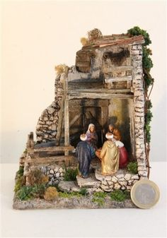 Christmas nativity scene in lantern – BuzzTMZ Christmas Grotto Ideas, Christmas Decorations, Holiday Decor, Christmas Nativity Scene, Shadow Box, Diorama, Snow Globes, Diy And Crafts, Sculptures