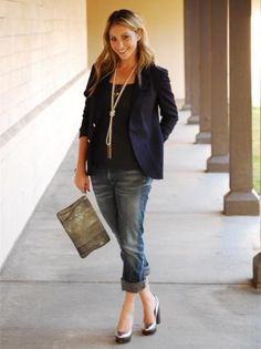 This to me is a great first date outfit. It's casual beign denim, but smart with the jackets, sexy with heals & hair, and personality with the funky bag. This could easily be adapted to suit any body shape - I'm definatly going to keep this in mind! :)