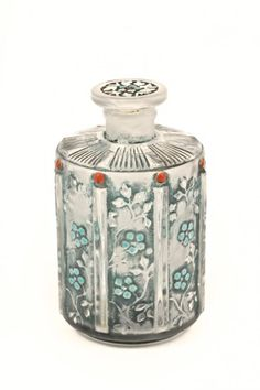 1926 J.Viard, Isabey Bleu de Chine perfume scent bottle and stopper, clear/frost glass, blue patina, enamel detail. Bottle Vase, Bottles And Jars, Glass Bottles, Lalique Perfume Bottle, Antique Perfume Bottles, Vases, Beautiful Perfume, Bottle Crafts, Glass Art