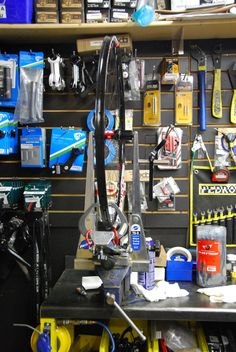 Bike Store, Bicycles, Home Appliances, Boutique, House Appliances, Appliances, Boutiques, Bike, Bicycle