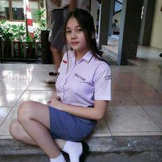 Cute Asian Girls, Sweet Girls, Cute Girls, School Girl Japan, High School Girls, School Uniform Outfits, Cute Young Girl, Indonesian Girls, Girl Hijab