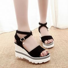Platform Sandals Wit