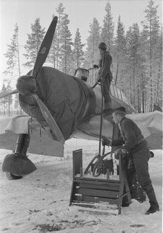 Refilling Finnish fighter Fokker D.XXI airfield Tiiksiyarvi