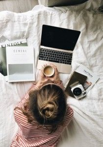 These books will take you from your front door to the beach and back! The post 6 Books To Take With You On The Plane appeared first on Career Girl Daily. Flat Lay Photography, Photography Branding, Lifestyle Photography, Portrait Photography, Amazing Photography, Lifestyle Blog, Diy Academy, Jolie Photo, Successful Women