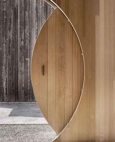 In Austria's Bregenz Forest, Innauer-Matt Architekten has designed a mobile exhibition house for Kaspar Greber, a timber construction company. Cabinet D Architecture, Architecture Details, Interior Architecture, Interior Barn Doors, Interior And Exterior, Home Interior Design, Interior Decorating, Round Door, Door Detail