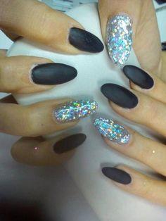 Matte and glitter nails - Beauty and fashion