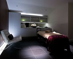 treatment/massage room