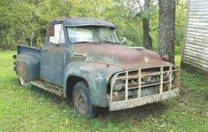 56 Ford F100, Visors, Old Cars, 4x4, Antique Cars, Trucks, Vehicles, Ideas, Rolling Stock