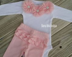 Ropa recién nacido tomar casa traje bebé chica traje por AdassaBaby