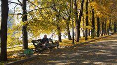 Отдыхающие осенью