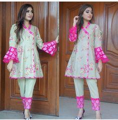 Simple Pakistani Dresses, Pakistani Bridal Dresses, Pakistani Dress Design, Pakistani Clothing, Stylish Dresses For Girls, Simple Dresses, Casual Dresses, Designer Party Wear Dresses, Kurti Designs Party Wear
