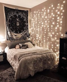 Gamer Room: 60 Great Ideas and Tips for Decorating - Home Fashion Trend Cute Bedroom Ideas, Cute Room Decor, Girl Bedroom Designs, Room Ideas Bedroom, Small Room Bedroom, Teen Bedroom Colors, Star Bedroom, White Bedroom, Bedroom Inspo