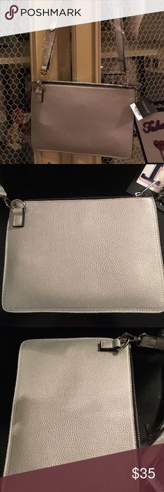 ❤️NWT Topshop Silver Clutch with strap Brand new Topshop Silver Bag with top zipper and zippered pocket inside. Strap is removable to make a clutch. Topshop Bags Mini Bags