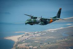 Airbus has received orders for an additional search and rescue (SAR) aircraft from Brazil that will eventually take to 15 the number of in service with the Brazilian Air Force (FAB). Brazilian Air Force, B 52 Stratofortress, Amphibious Vehicle, African Union, Aviation Industry, Search And Rescue, Speed Boats, Water Crafts, Military Aircraft