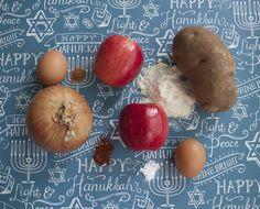 Apple and Potato Latkes Recipe, perfect for #Hanukkah! View the full #recipe on the Tiny Prints blog.
