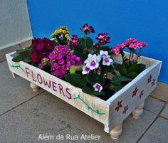 Reciclagem de caixote de frutas by ALÉM DA RUA ATELIER/Veronica Kraemer, via Flickr