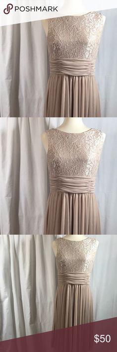 "Stunning Dress Shoulder to hem approximately 36"" 4️⃣8️⃣ Jessica Howard Dresses Midi"