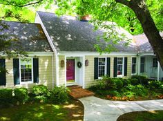 love this cute little country style ranch home!