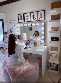 Bedroom Decor For Teen Girls, Girl Bedroom Designs, Room Ideas Bedroom, Diy Bedroom Decor, Cute Bedroom Ideas For Teens, Cute Teen Rooms, Teen Room Designs, Teenage Girl Bedrooms, Home Decor
