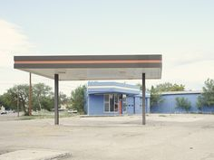 Roughly 50 years on, Iñaki Bergera's photographs are skilful examples of the topographical tradition originally inspired by Ed Ruscha to objectively describe territorial signs. Photo Essay, Gas Station, Abandoned, Branding Design, Outdoor Decor, Architecture, Fotografia, Left Out, Corporate Design
