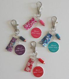 """Cadeau maîtresse - cadeau atsem - Mini porte-clés """"Merci pour tout ! prénom de l'enfant"""" personnalisable"""