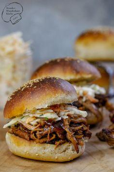 Wonder Wunderbare Küche: Pulled Pork (aus dem Backofen) mit selbstgemachten Burger-Buns und Coleslaw