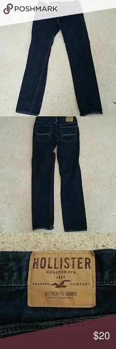 Button fly Hollister Jeans 34x34 These dark wash men's button fly jeans are 34x34 and have very little wear. Almost new! Hollister Jeans Slim Straight