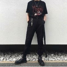 Fabulous Outfit Ideas Hipster To Beat The Summer Heat outfit ideas hipster, Mode Grunge Outfits, Hipster Outfits, Mode Outfits, Grunge Fashion, Look Fashion, Korean Fashion, Fashion Outfits, Black Outfit Grunge, Indie Hipster Fashion