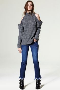 Stella Fray Jeans Discover the latest fashion trends online at storets.com #Hooded Bomber Jacket #Tweed Blazer #hearling Jacket
