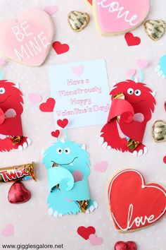 When you think of monsters I bet you don't usually associate them with Valentine's Day. But, I think you will find these adorably cute DIY Cricut Monster Valentine Candy Cards are full of love. And simply perfect for Valentine's Day! Diy Valentines Cards, Valentine Day Boxes, Valentine Crafts, Easter Arts And Crafts, Bunny Crafts, Hot Dog Bar, Candy Cards, Fruit Salad, Watermelon Salad