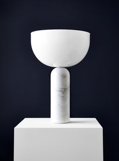 KIZU TABLE LAMP - WHITE MARBLE W. WHITE ACRYLIC