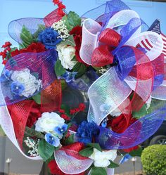 Memorial Day or Fourth of July wreath.  http://pinterest.com/pin/17099673555633249/ #memorialday