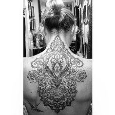 @miss_tina_louise with my design all finished! Tattooist @kareemtattoo thanks for bringing my work to life so beautifully! #mandala #backpiece #tattoo #mehndi